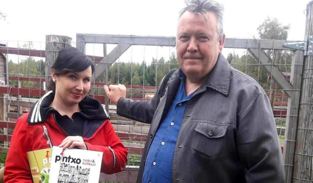 Mikko Reinikka kävi tutustumassa Mangalitzan kasvatukseen